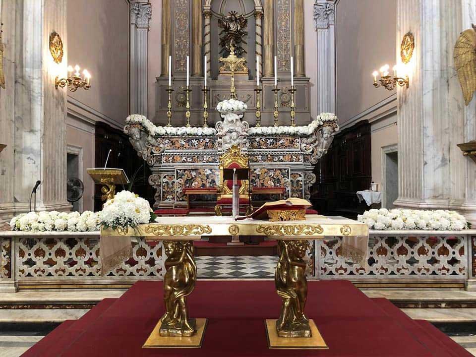 Chiesa a Napoli durante un matrimonio